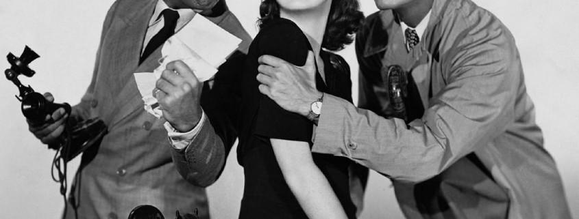 film in bianco e nero due uomini corteggiano una donna